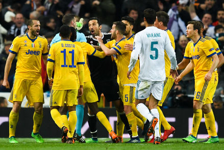 Gianluigi Buffon, Michael Oliver